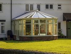 Двухскатная крыша с многоугольником